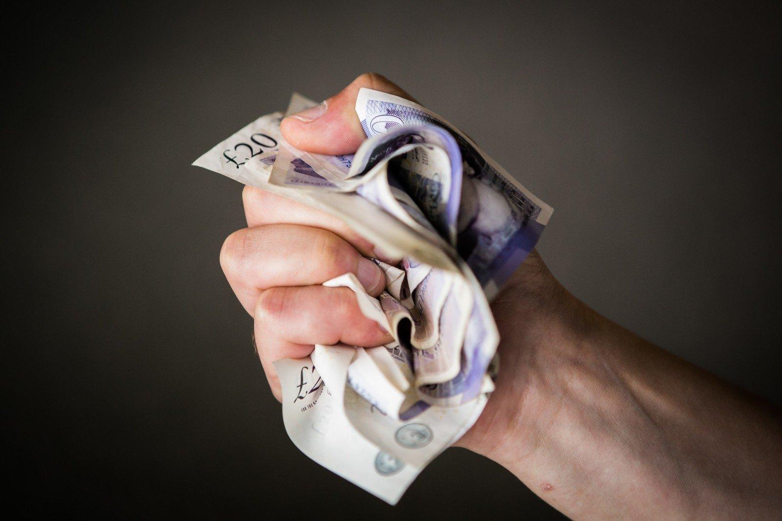 kaip gerai uždirbti per mėnesį juos verta investuoti