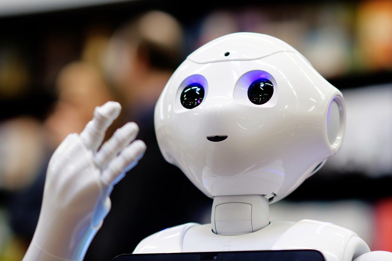Darbuotojas – robotų dirigentas: kaip robotai gali motyvuoti darbuotojus būti lojalius - LRT