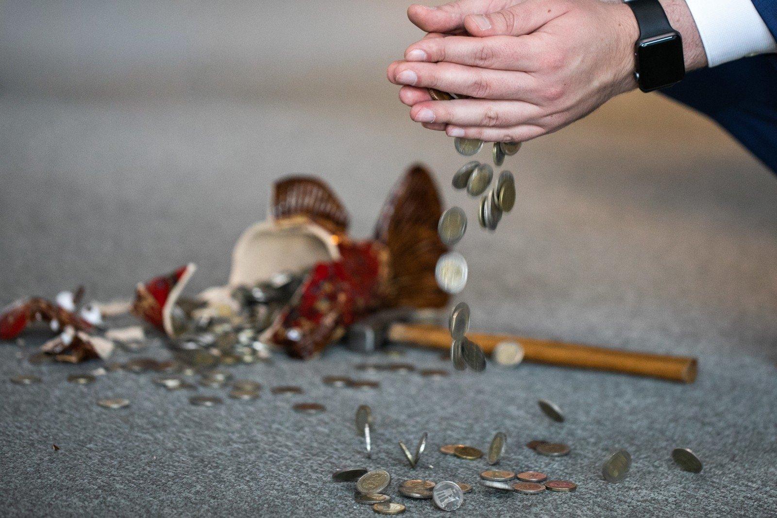 kaip svetainės uždirba pinigus pasirinkimo sandoriai su premija