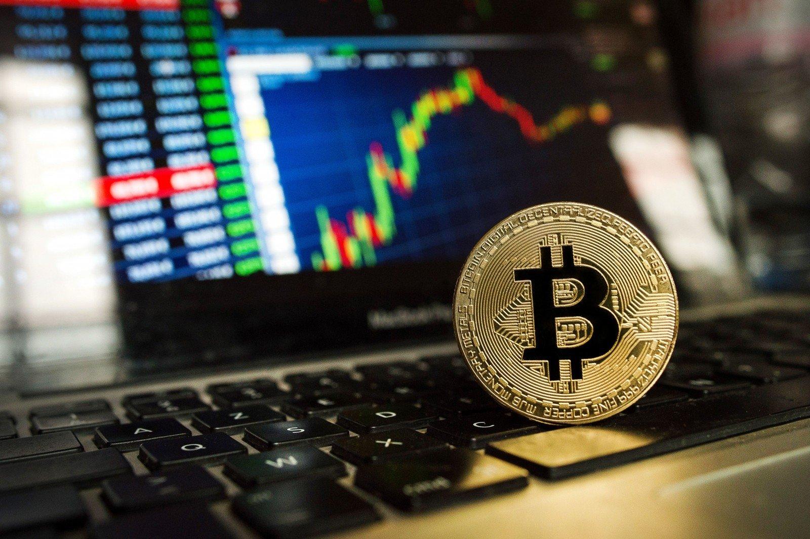 geriausia kompanija investuoti su bitkoinais pradedančiųjų darbuotojų galimybės