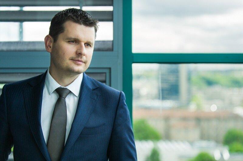 Geriausi geriausi brokeriai be investicijų, Geriausias brokeris investavimui į ETF Lietuvoje